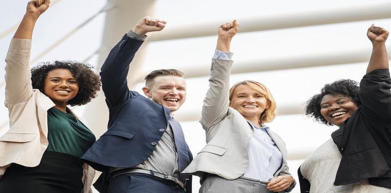 Zarządzanie przez cele oznacza, że dobry pracownik to taki, który sprawnie i skutecznie realizuje cele firmy